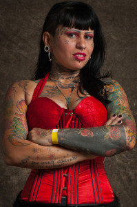 was ist schon normal Foto tatto Frau