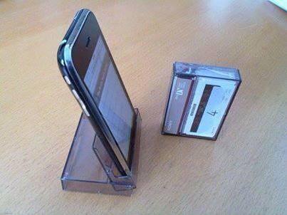 Kassettenhülle als Handyhalter