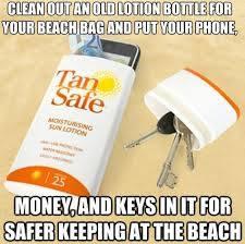 Sicherheit am Strand dank einer ausgehüllten Schachtel